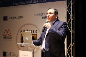 Interview with Douglas Linares Flinto performing in front of an audience